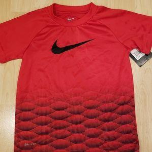 Boys dri fit Nike shirt NWT